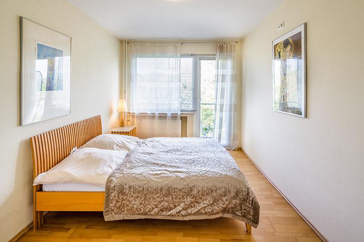 Moderne Duschbäder apartment auf zeit in der frankfurter rennbahnstraße buchen