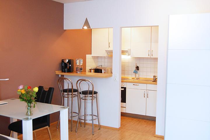 grindelallee 21: jetzt apartment auf zeit in hamburg buchen. - Apartment Küche
